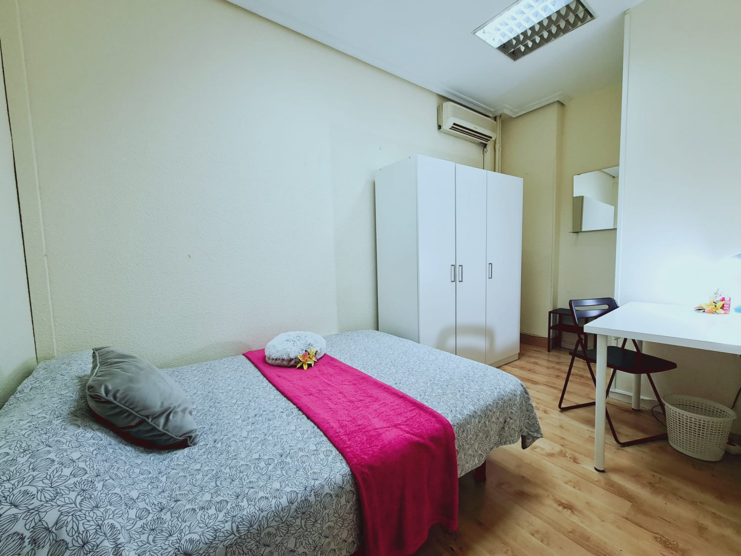 Get your Own Room in Madrid – Arguelles – ARGC3