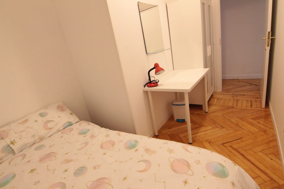 Rooms to rent in Madrid – Arguelles – ARGB11